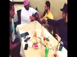 When Arabs get the dinner bill