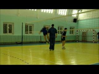 Sumashedshii_na_moi_vzgliad_udar_v_voleibole