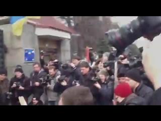 Беспорядки у здания Минобороны в Киеве